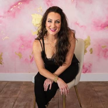 Shaunna Rios The Beauty Bar